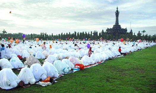 В период Рамадана Бали испытывает целое нашествие туристов