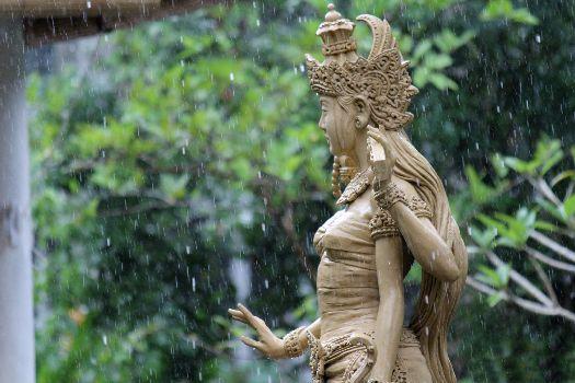 В ноябре в Бали уже накрапывают дожди, а то и ливни идут