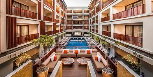 Фасад отеля ''Magani Hotel & Spa''