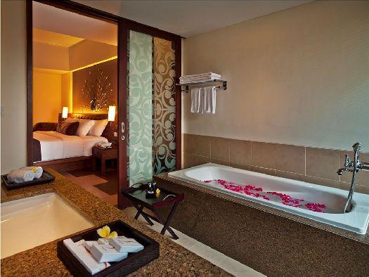 Ванная комната в ''Sun Island Kuta''
