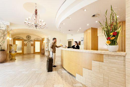 Обратите внимание на то, что итоговая сумма за аренду номера может быть больше изначально указанной на сайте отеля