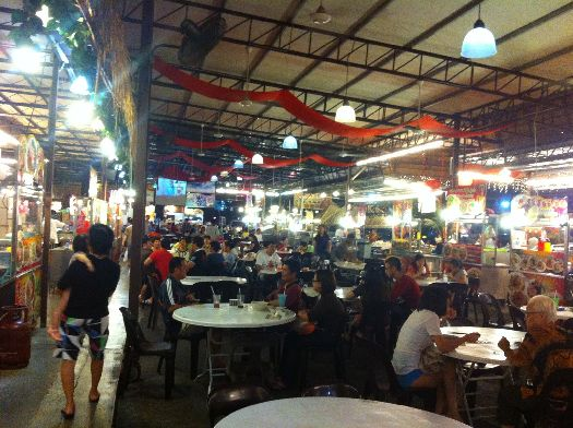 Фудкорты Бали предлагают вкусно и дёшево перекусить