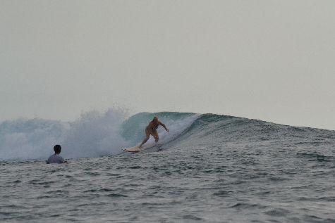 Чудесной атмосфера, хоть не всегда большие, но практически гарантированные волны - все это ждет Вас весной на Бали!