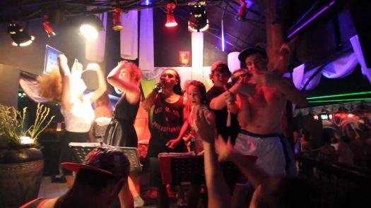 Ночная жизнь на Бали в городе Кута на Новый Год в клубе Paddy's club