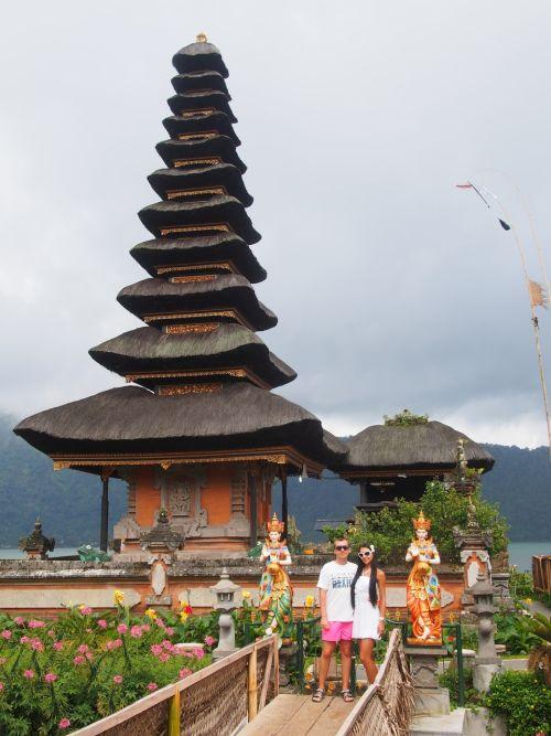 Храм Улун Дану - главный водный храм на Бали, расположенный на озере Братан
