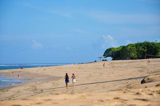 На Бали не везде Вы найдете белоснежные пляжи, а вот Нуса-Дуа они точно есть