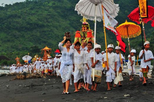 Местный Новый год на Бали имеет мало общего с нашим представлением об этом празднике