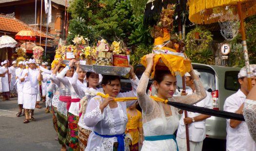 Местные праздники и церемонии на Бали наполняют жизнь балийцев смыслом