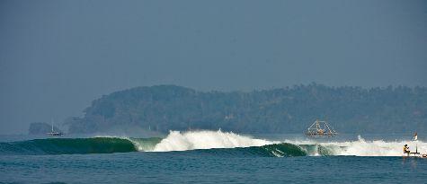 Некоторые считают, что в Кангу находится один из самых сложных для серфинга спотов