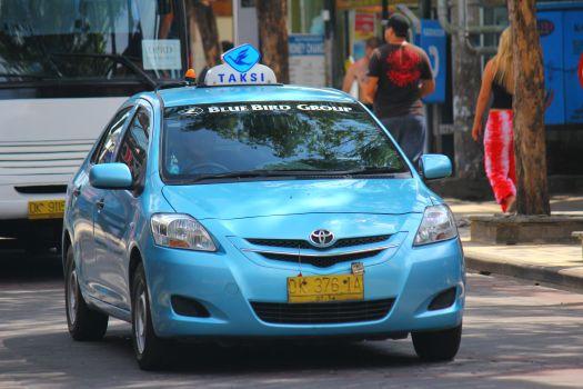 Такси на Бали относительно доступный вид транспорта.. и на таксе можно изъездить весь остров!