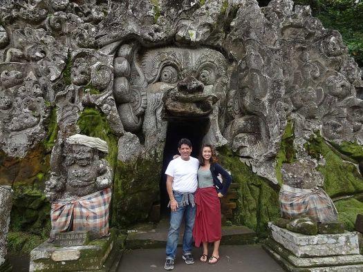 Пещера слона - (Goa Gajah) находится в деревне Бедулу всего в 2 километрах от Убуд.. ее центральная достопримечательность - пещера, вход в которую выгравирован лицом демона